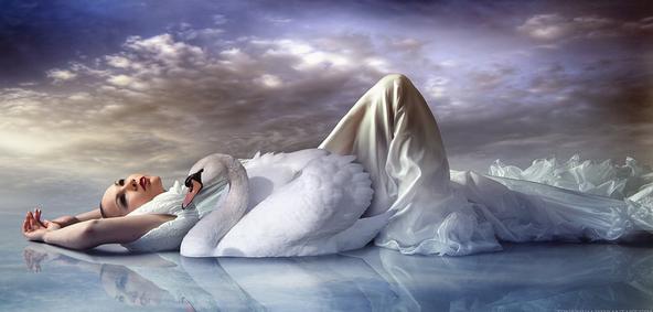 femme allongée, couchée